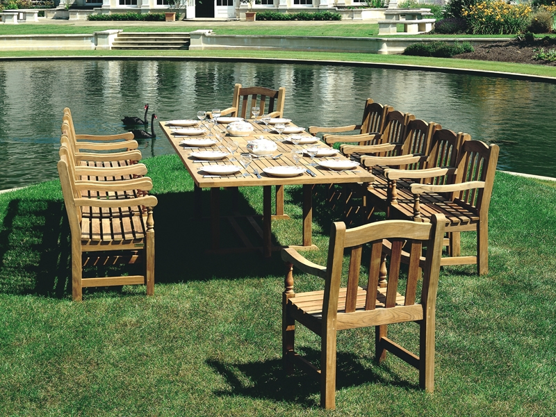 Barlow Tyrie Arundel and Felsted Teak 13pc Dining Ensemble
