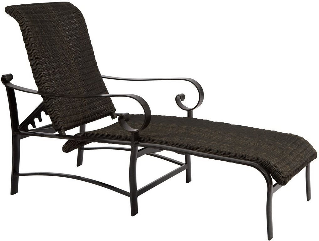 Round Chaise Lounge Product Photo
