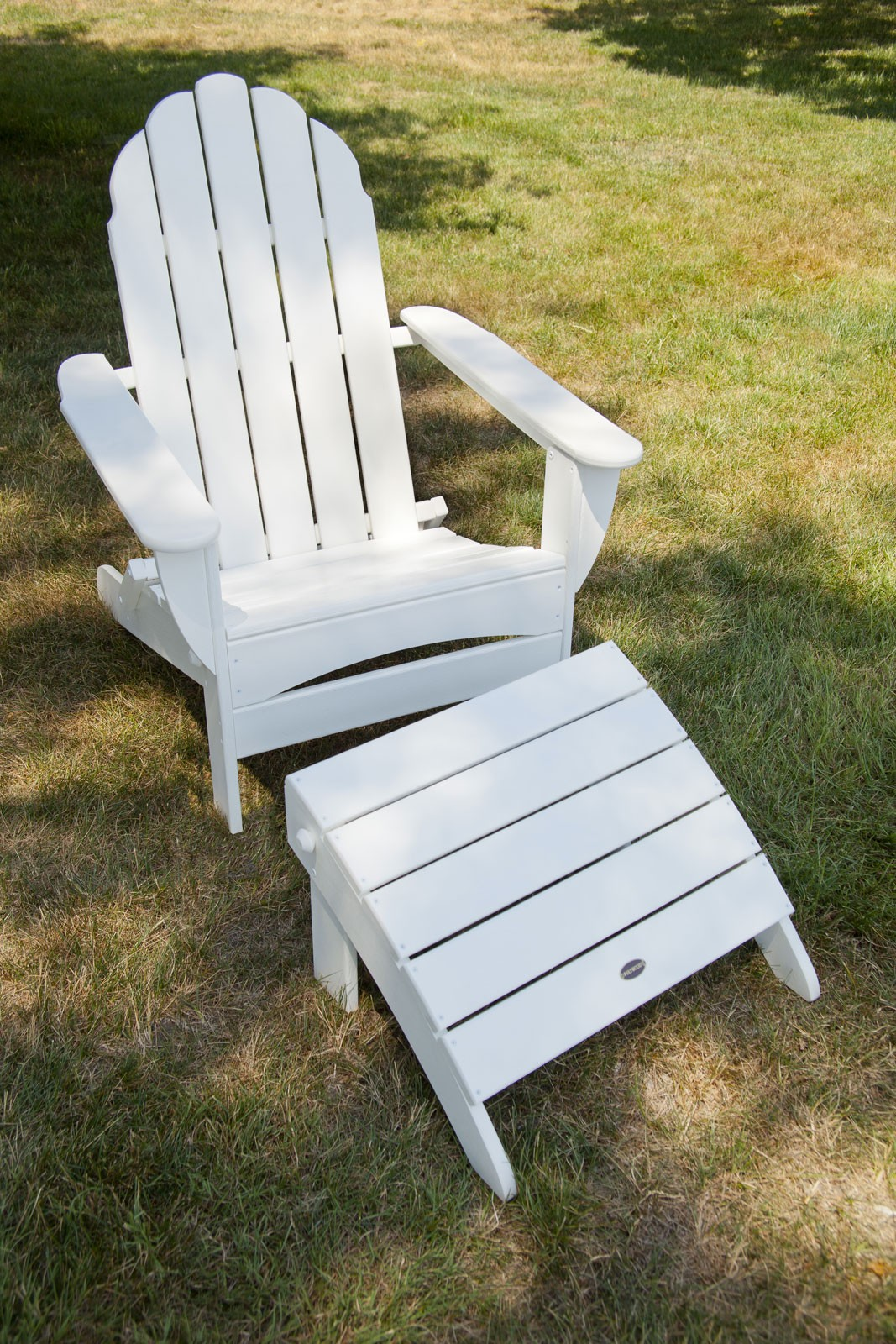 Oversized Curveback Folding Adirondack Product Photo