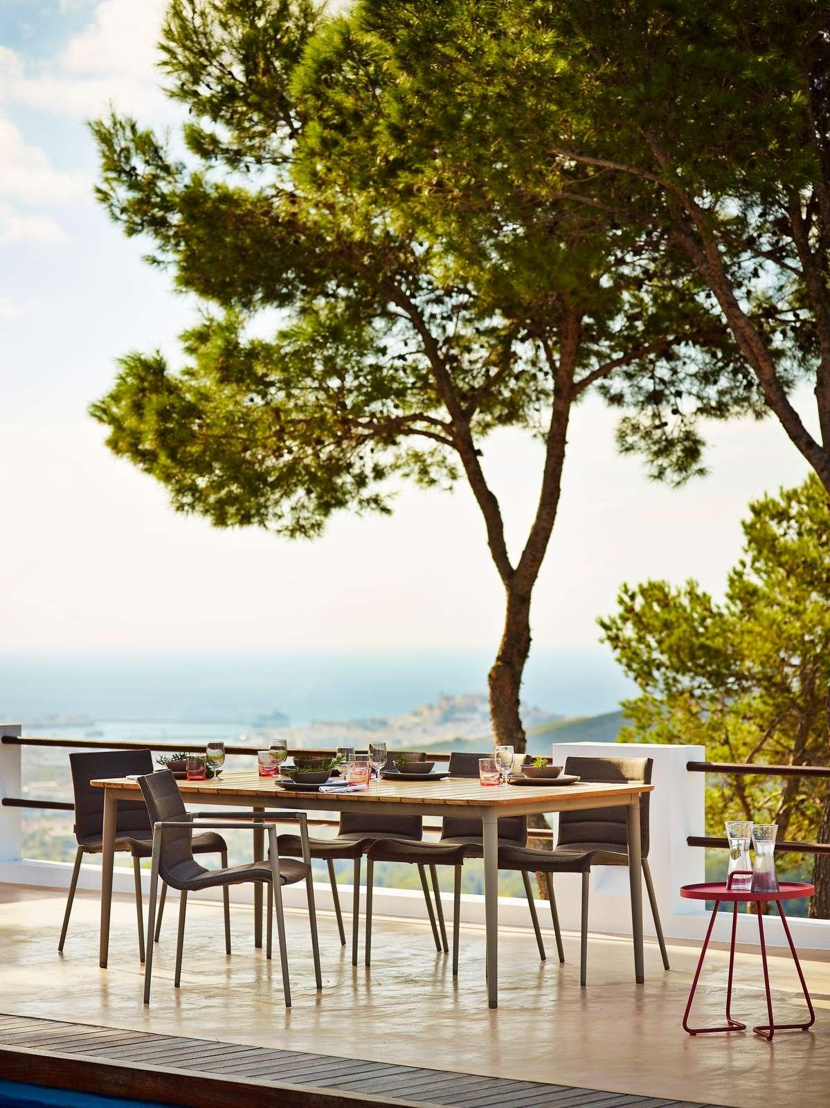 Core Dining Ensemble Product Photo