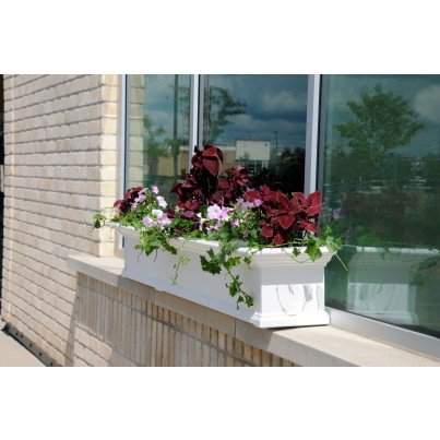 Mayne Yorkshire 7' Window Box - White